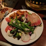Excellent tuna nicoise salad with great service.  Django is a must visit for travelers to Des Mo