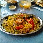 Paella de Mariscos, exquisita opción.
