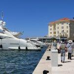 高速船が発着するポレチュ港