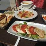 Photo de La Mesa Restaurant