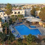 Photo de Hilltop Gardens Hotel Apartments