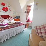 Double room with en-suite facilities and superb sea views!