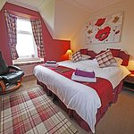 Super King size double bedded room with en-suite facilites OR can be a Twin (2 single beds)
