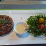Tatin de cèpes - sauce au foie gras.