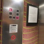 80'er Jahre Charme im Aufzug