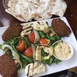 Falafel & halloumi main with lavas bread