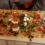 Mezo metro di pizza