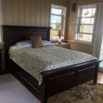 Cottage queen bed mahogany with heavenly bed pillow top