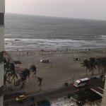 Imcreibles vistas desde la habitación frente al mar y desde el ares de recepción y en la piscina
