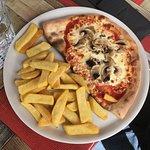Demi-pizza Champignons/frites