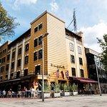 Fachada icónica Hotel Virrey Park