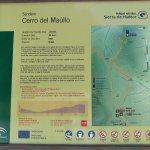 Panel informativo del precioso sendero del cerro del Maúllo