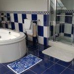 En-suite with jacuzzi & shower