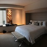 Spacious room, luxurious welcome amenities, business accessories, great pool
