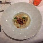 Mijotée d'asperges du pays, lardons, croûtons et sauce au muscat