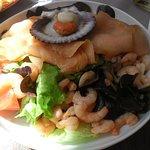 salade fraîcheur saumon crevette sauce agrumes