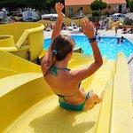 Toboggans aquatiques et piscine plein air