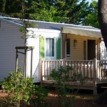 Mobil-home Grand Confort TV + terrasse bois couverte