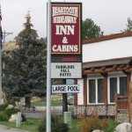 Beartooth Hideaway Inn & Cabins Photo