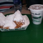Found a Cafe du Monde at Riverwalk no line these donuts are so good.