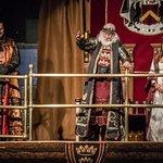 Host, King and Fair Maiden