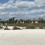 Photo de Sandpiper Beach