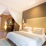 Suite with jacuzzi bath and private courtyard