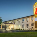Super 8 by Wyndham Danville-bild