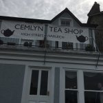 Lovely tea rooms in the centre of quaint Harlech overlooking the castle. Sat on the terrace over