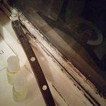 window latch won't shut + disgusting
