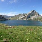 Lago Enol, el primero