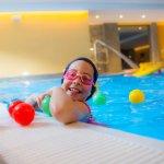 La piscina del Petit Hotel è dedicata ai bambini: coperta, riscaldata, piena di giochi: uno spas