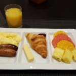 Items from the breakfast buffet