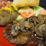 You'll love our chopped steak with mushrooms & onions. And we'll deliver it!