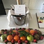 Welcome champagne and fruit