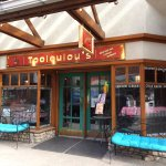 Front of Tooloulou's