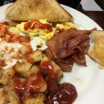 awesome breakfast---served hot in a timely manner at a great price point