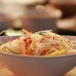 Asian Noodle Salad (v)