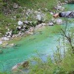 הנהר בצבעים שנראים כאילו עשו להם פוטושופ (לא עשינו..)