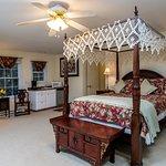 Honeymoon Room with large balcony, double on-room Jacuzzi, wet bar, en-suite bathroom, water vie