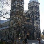 monumentalna katedrala i velika ne može stati u objektiv