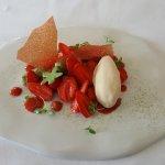 Un ensemble de desserts sur le thème de la Fraise... la photo ne vaut pas les saveurs !