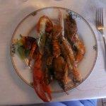 Grigliata di scampi, astice, gamberoni e aragostella
