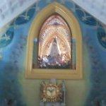 Acá la virgen está en su altar mayor ( es bajada el 1 de septiembre y subida el 1 de diciembre