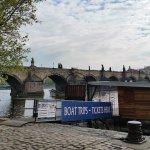 Foto di Archibald At the Charles Bridge