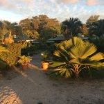 Blick vom Strand auf die Villa Creole