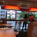 breakfast room adn restaurant