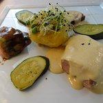 Le plat principal du menu du jour (3 viandes différentes)