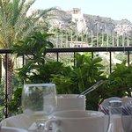 desayuno con la vista de la Acrópolis