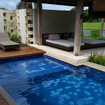 Photo de Water Edge Villa